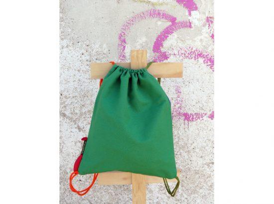 Mochila Niña Saltando verde