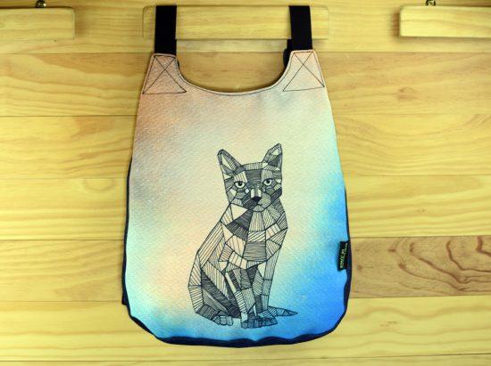 Mochila con un dibujo de gato